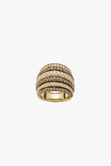 Ring with diamond pave'